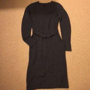 Banana Republic Dresses - Banana Republic gray Mini sweater dress w/belt